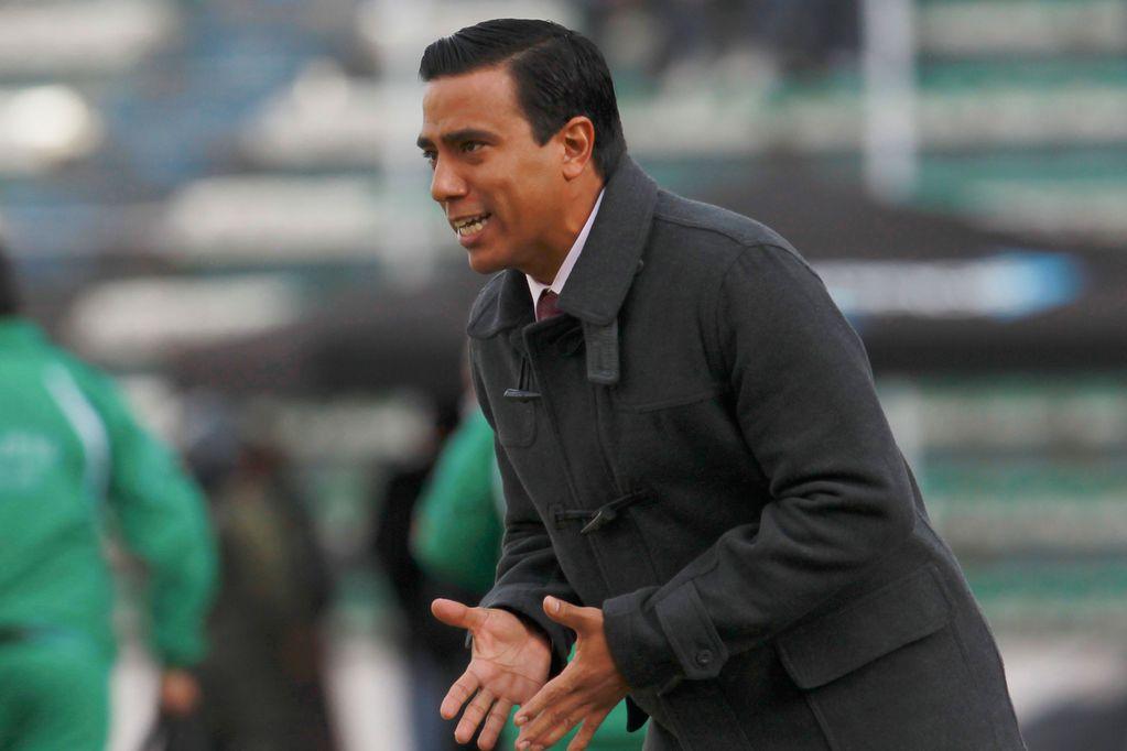 César Farías es el entrenador del seleccionado de Bolivia en las Eliminatorias Sudamericanas. (AP)