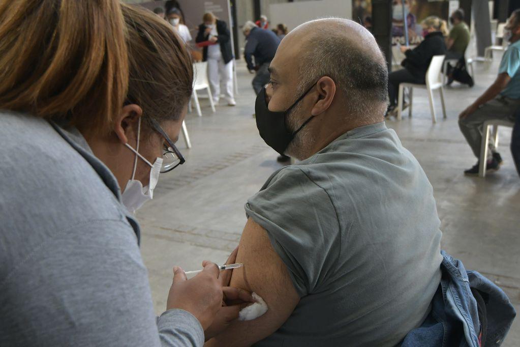 Mendoza recibirá más de 22 mil dosis de la vacuna Sputnik V en las próximas horas