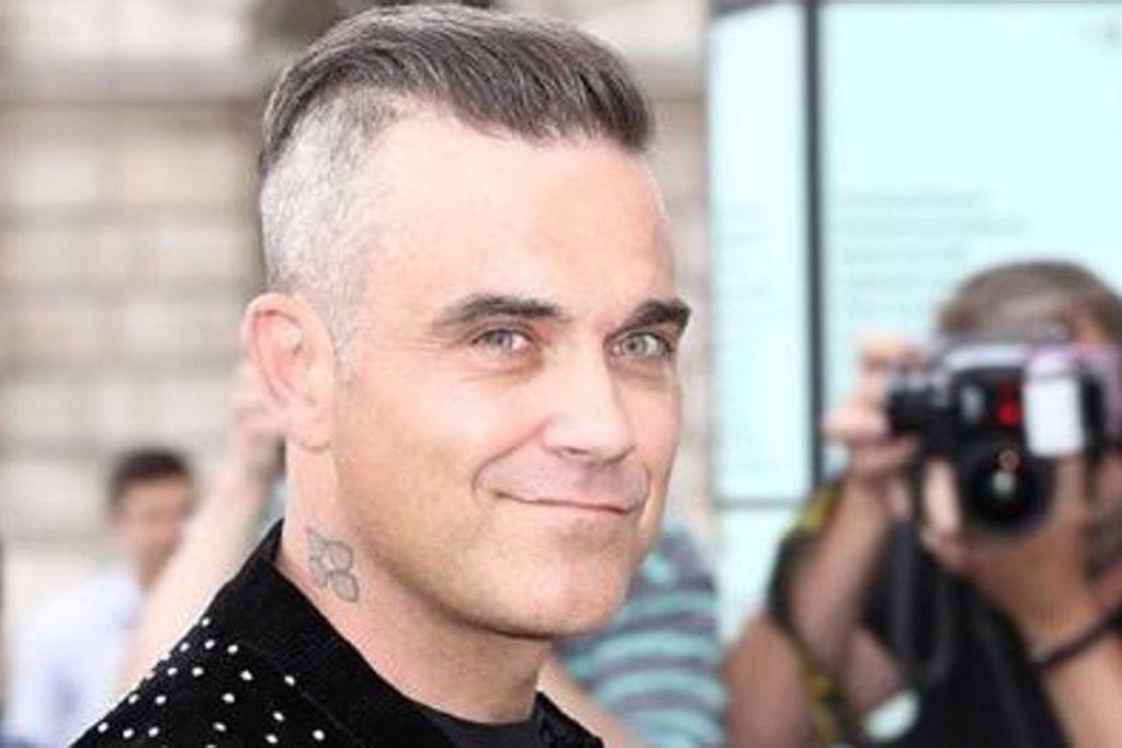 ¿Robbie Williams fue abducido por extraterrestres? Un investigador de ovnis dice que sí