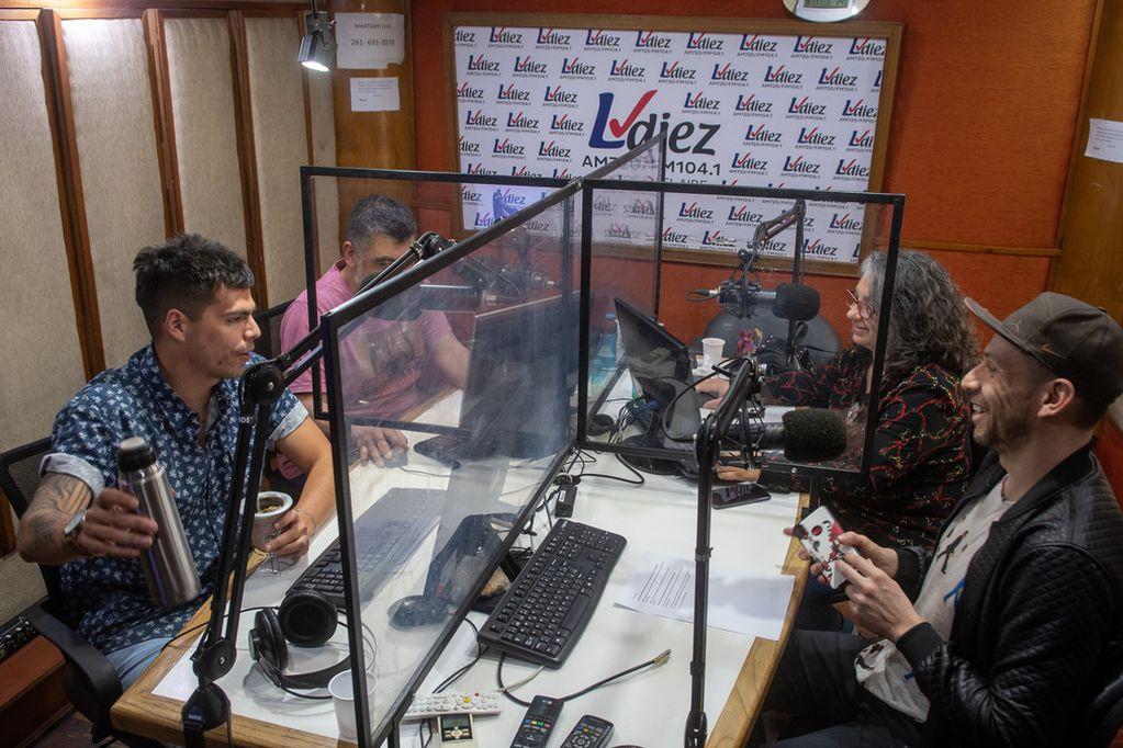 Radio LVDiez apuesta a la información y la cercanía con los mendocinos.
