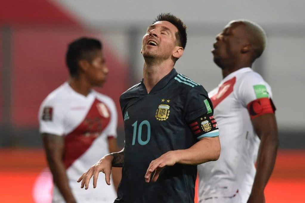 Leo jugó siete partidos ante la Blanquirroja y marcó apenas un gol, pero nunca lo hizo por Eliminatorias Sudamericanas. / Gentileza.