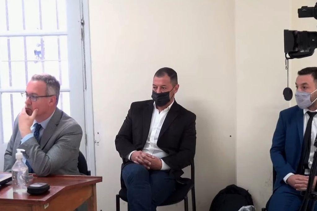 Los acusados, Gustavo Matar y su hijo Brahim, durante la lectura de los cargos en el inicio del debate.