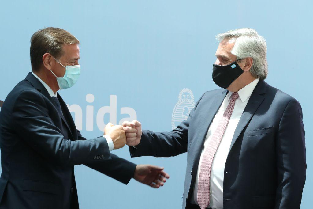 """Fernández visita Chile con cuatro gobernadores del PJ y se """"olvidó"""" de Suárez"""