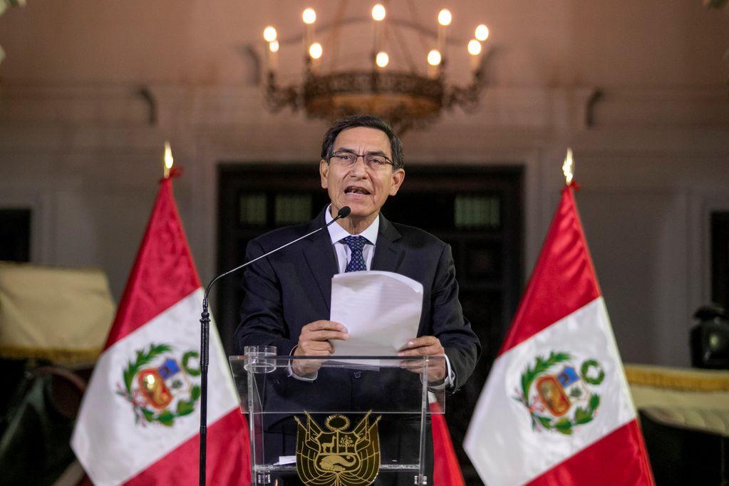 El presidente de Perú cerró el Parlamento y fue suspendido