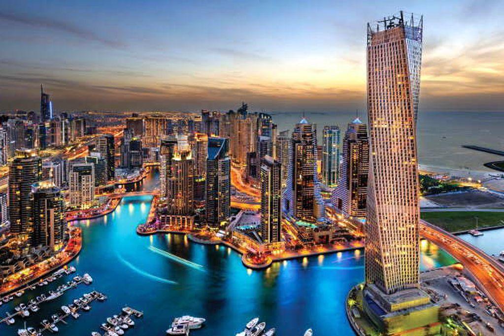 La particularidad de Dubai y Qatar es que deslumbran con pantallas de modernidad que ocultan realidades medievales.