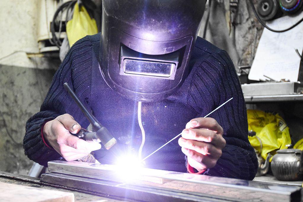 En dos años se perdieron casi 16 mil empleos privados registrados en la provincia.