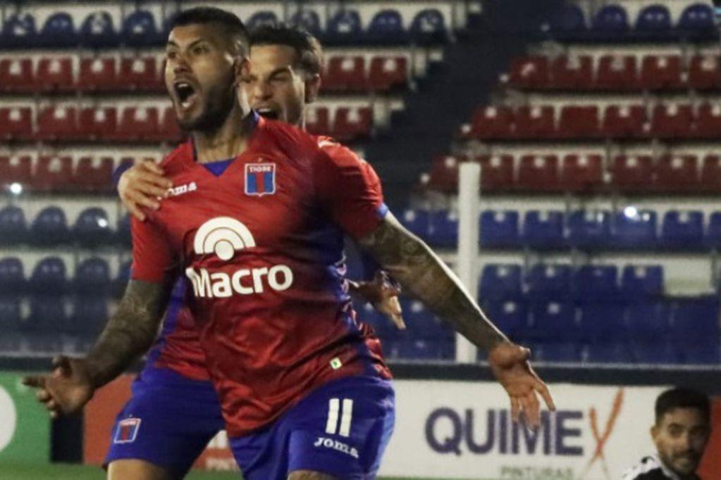 Milton Céliz convirtió dos goles en el triunfo de Tigre sobre Gimnasia de Mendoza por la Primera Nacional.