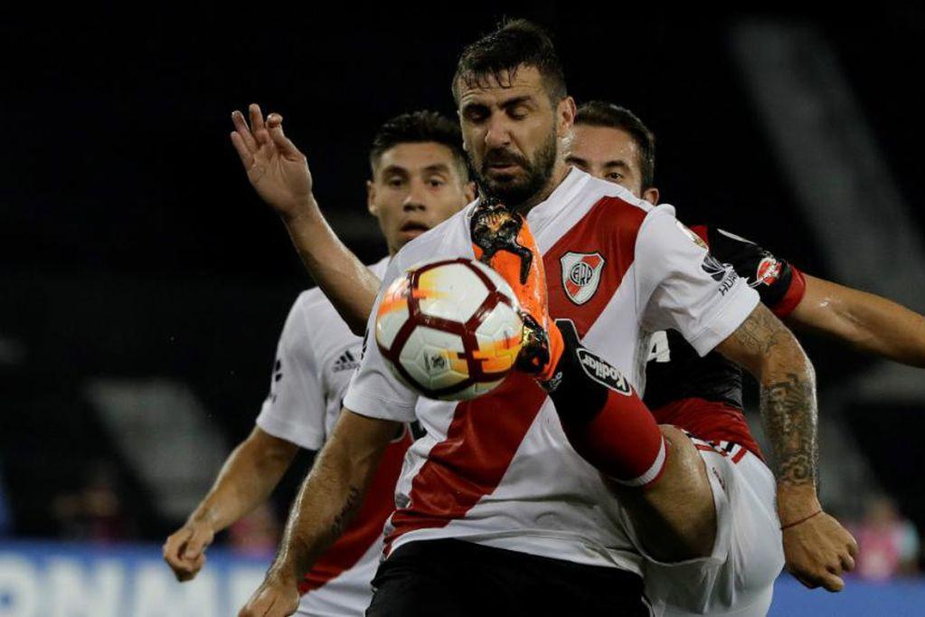 Lucas Prattto volverá a vestir la camiseta de Vélez. / Gentileza.