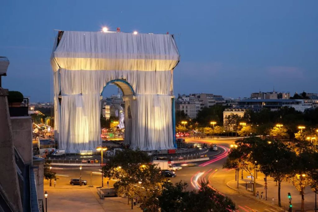 El Arco del Triunfo, envuelto: el proyecto póstumo de Christo en París. Foto: Matthias Koddenberg. Gentileza / El Cultural