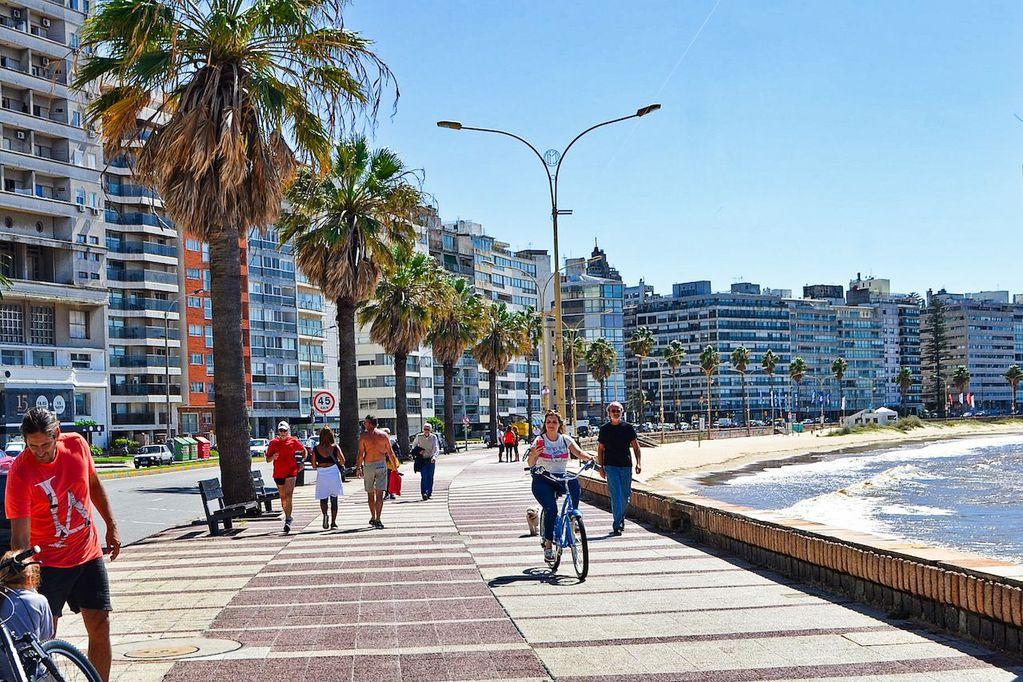 Montevideo, Uruguay - Web