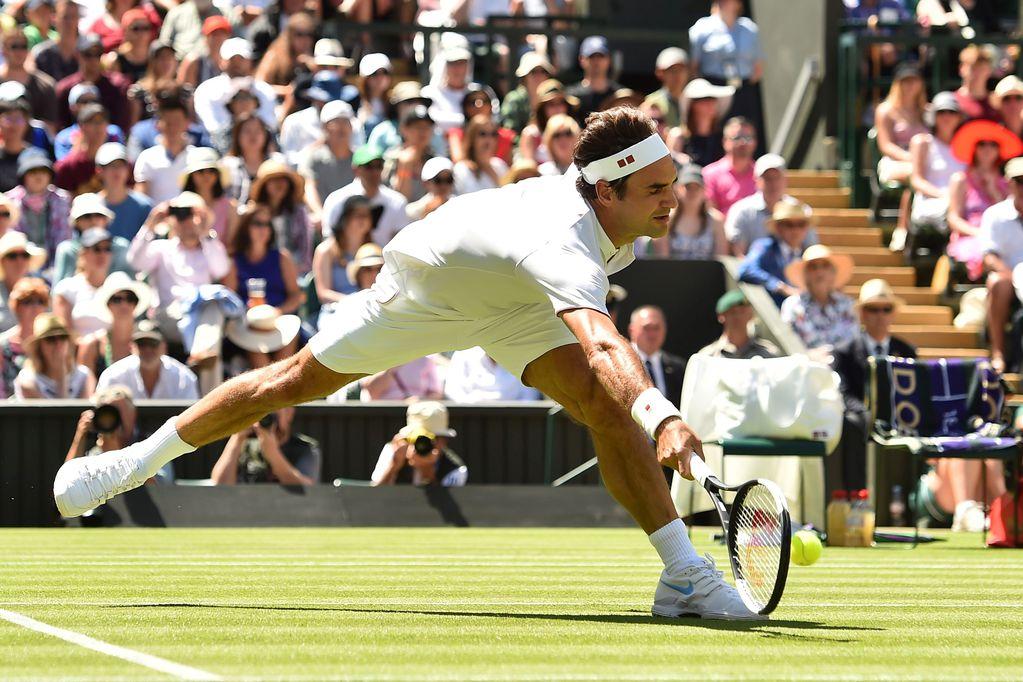 Federer barrió a Lajovic en su debut en Wimbledon