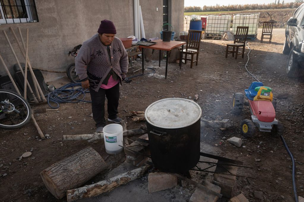 Las viviendas sin servicios como gas son una constante en el agro local. Foto: Ignacio Blanco / Los Andes