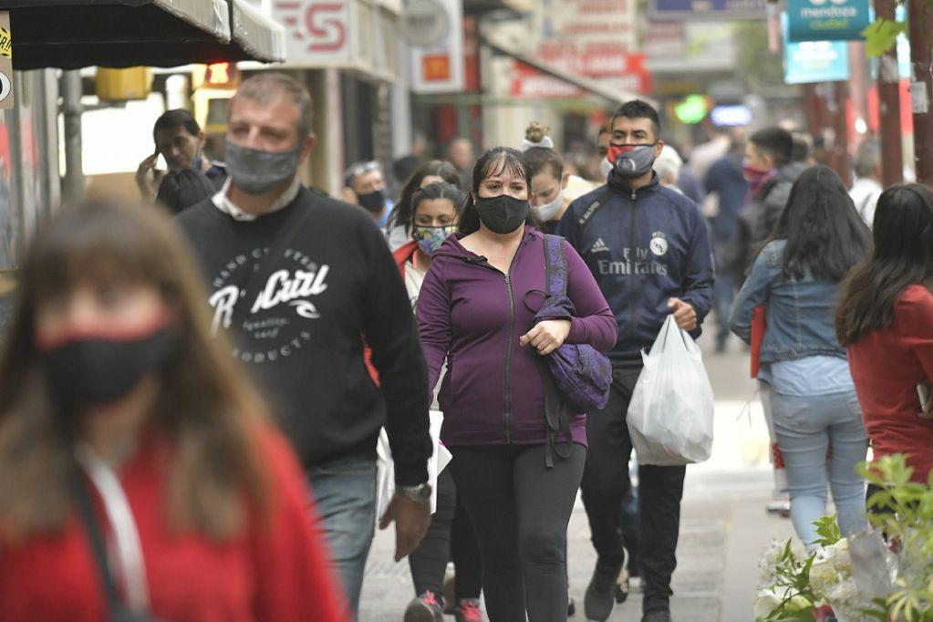 """Mendoza adhiere a las restricciones de la Nación pero aclaran que el 31 termina """"inexorablemente"""" la fase 1"""