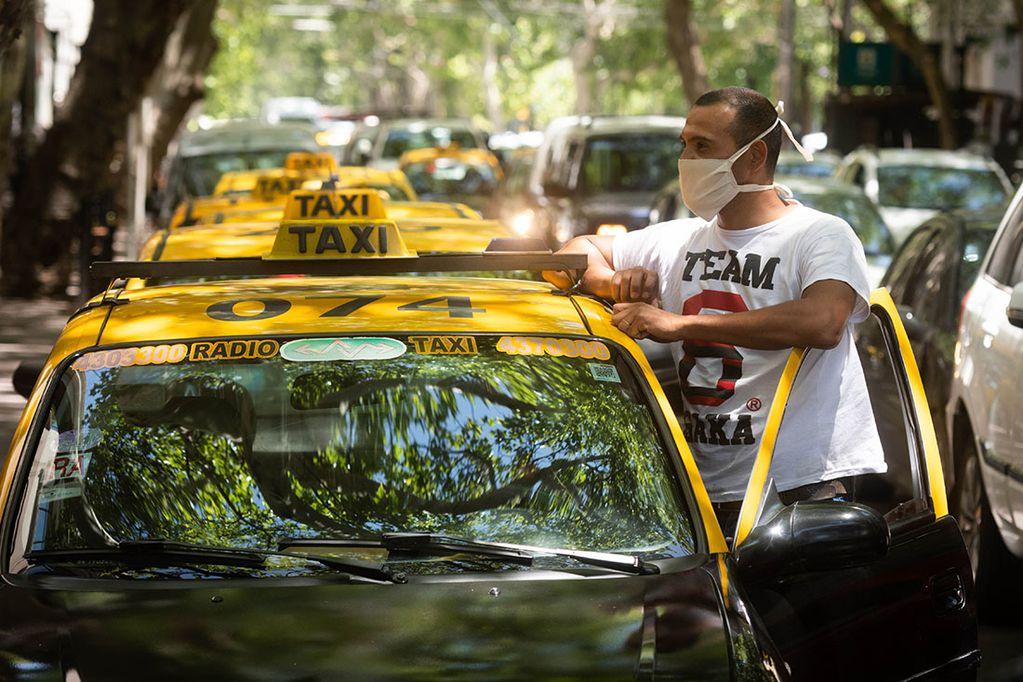 Tras las PASO, el Gobierno autorizó un aumento en la tarifa de taxis y remises en un 47%