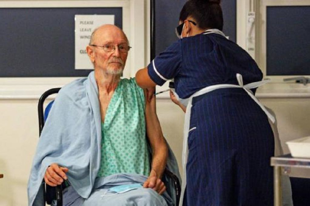 Murió Bill Shakeaspeare, el primer hombre que recibió la vacuna contra el coronavirus