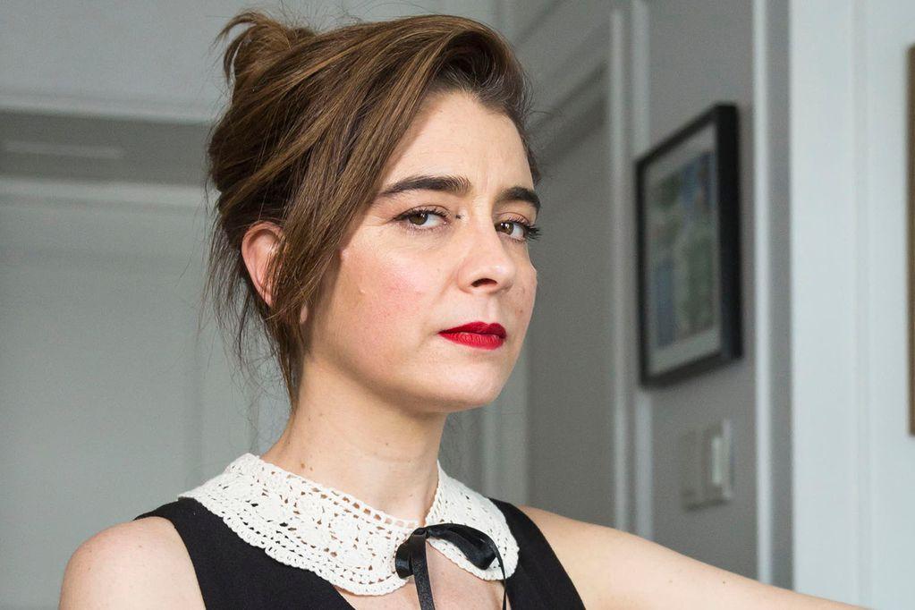La actriz no está conforme con la forma en la que se trató su salida de Casados con hijos en televisión.