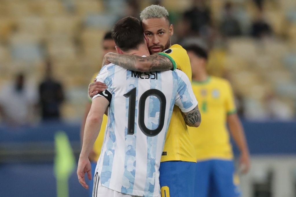 """El emotivo mensaje de Neymar a Messi: """"Ayer cuando perdí fui a darle un abrazo al más grande"""""""