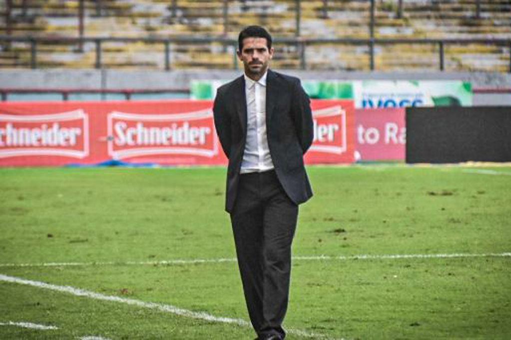 Tras seis derrotas consecutivas, el ex jugador de Boca y la Selección dejó de ser el entrenador