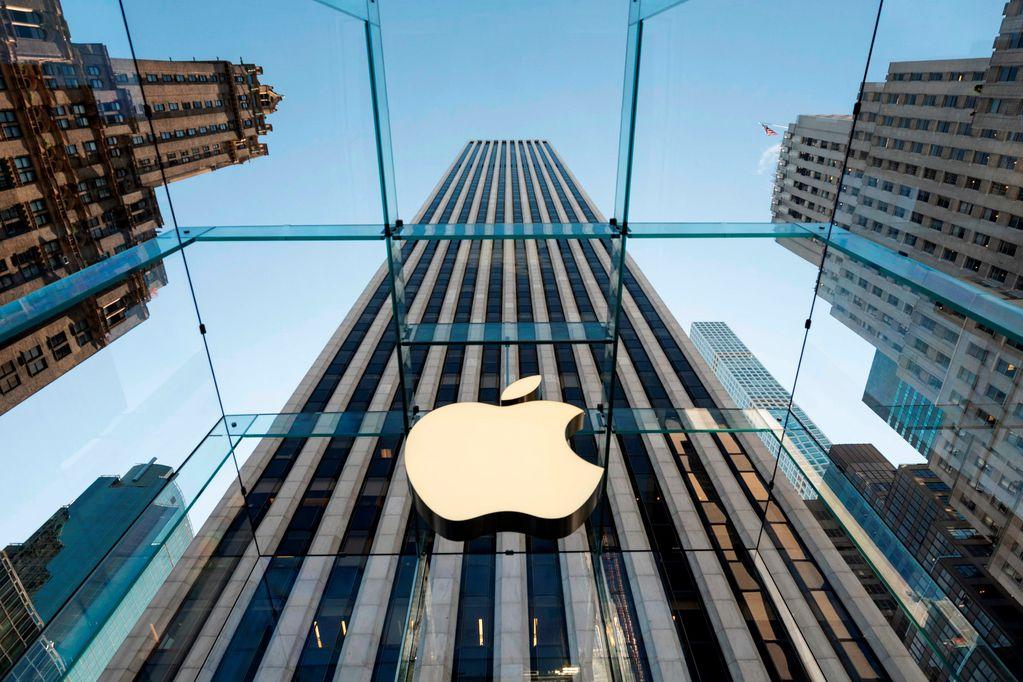 """Insólito: un ruso demandó a Apple por """"manipularlo y convertirlo en gay"""""""