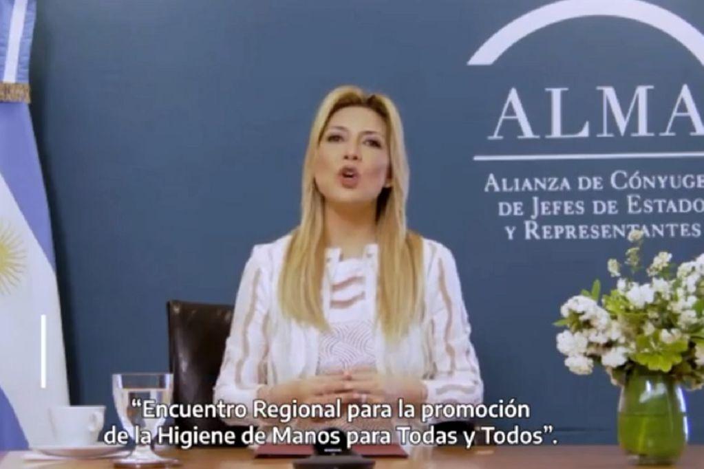 Fabiola Yáñez encabezó la cumbre de higiene de manos (Instagram)