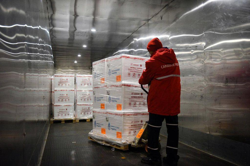 Llegó un lote de más de 1,4 millones de vacunas Sinopharm y se espera otro para la noche