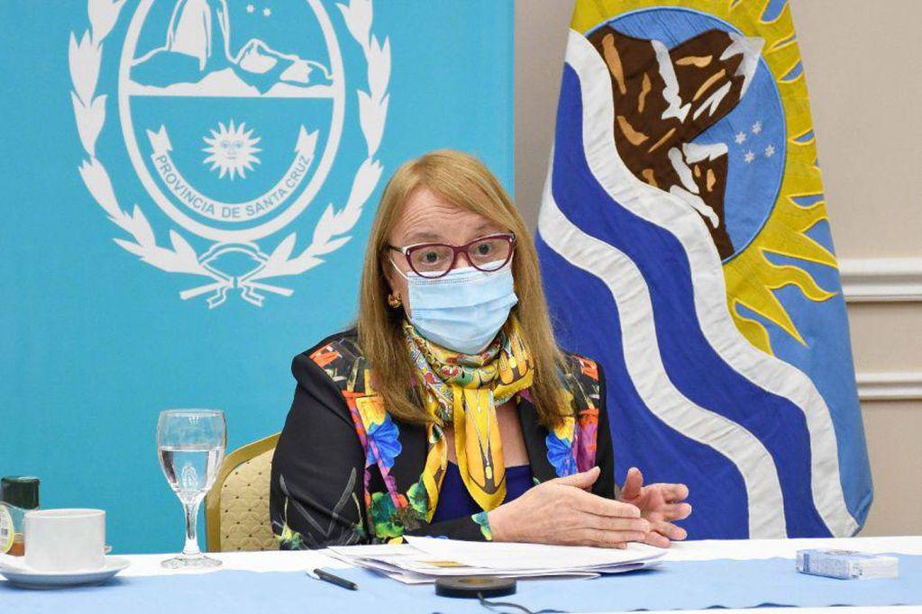 Sigue la debacle en el peronismo: Alicia Kirchner le pidió la renuncia a todo su gabinete
