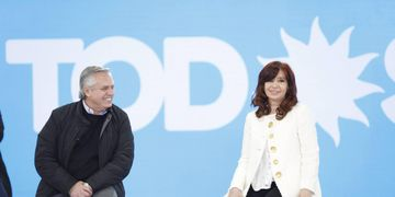 Alberto Fernández y Cristina Kirchner durante la presentación de los precandidatos - Prensa CFK