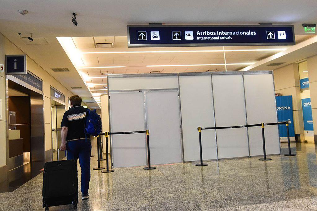 Vuelve el movimiento de vuelos desde y hacia Chile. El 1 de noviembre empezarían a llegar de otras partes del mundo. Foto Mariana Villa