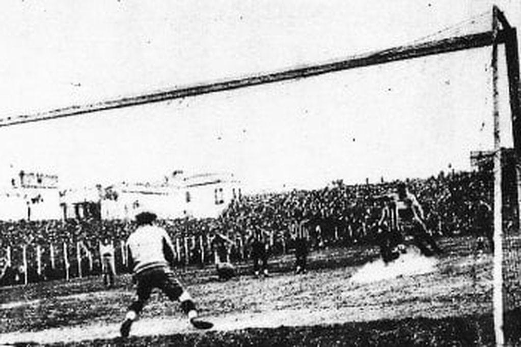 El 24 de agosto de 1913, River venció a Boca en el primer superclásico oficial. / gentileza