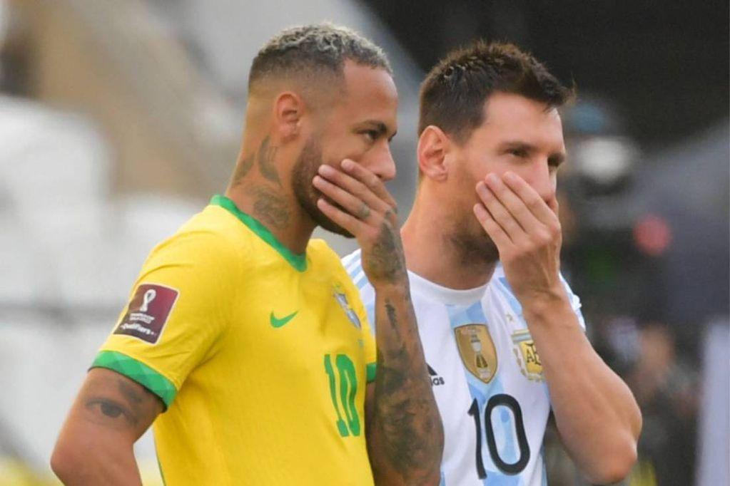 Neymar y Messi no pueden creer lo que pasó en San Pablo. (ESPN)