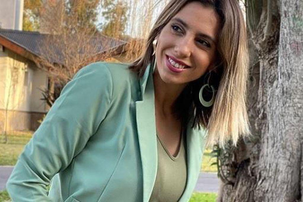 """Cinthia Fernández sigue explotando la calza """"levanta totó"""" y prendió fuego las redes"""