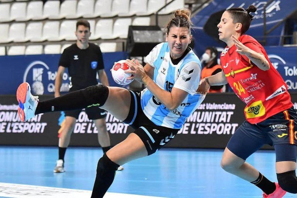 La Garra perdió contra España por 16 a 31 y se quedó afuera de los Juegos Olímpicos. Foto: Gentileza @CAHandball