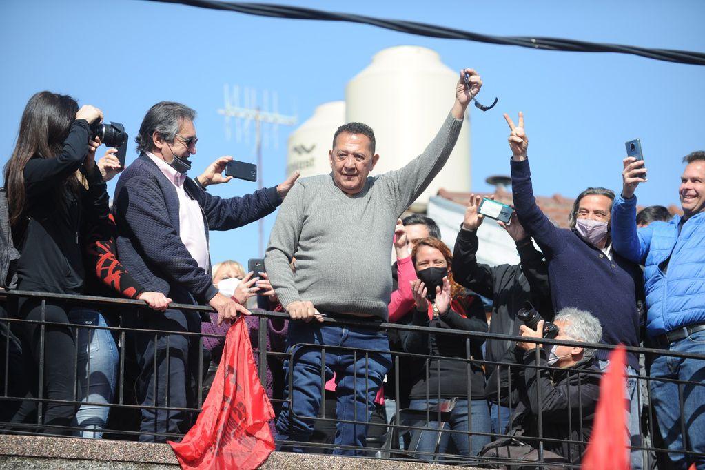 El dirigente social Luis D'Elía quedó hoy en libertad condicional - Clarín