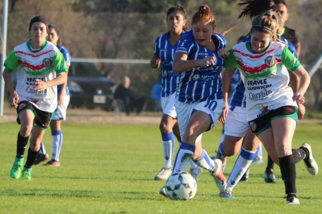 Fútbol femenino: En los próximos días, la Liga Mendocina, aprobará su protocolo contra la violencia de género. / LOS ANDES.