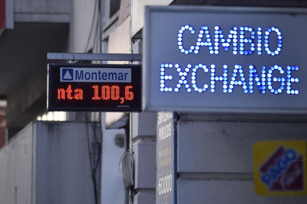 La cotización del dólar preocupa al gobierno antes de las elecciones. Archivo.