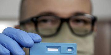 La ANMAT aprobó el primer test argentino para la detección rápida de COVID-19