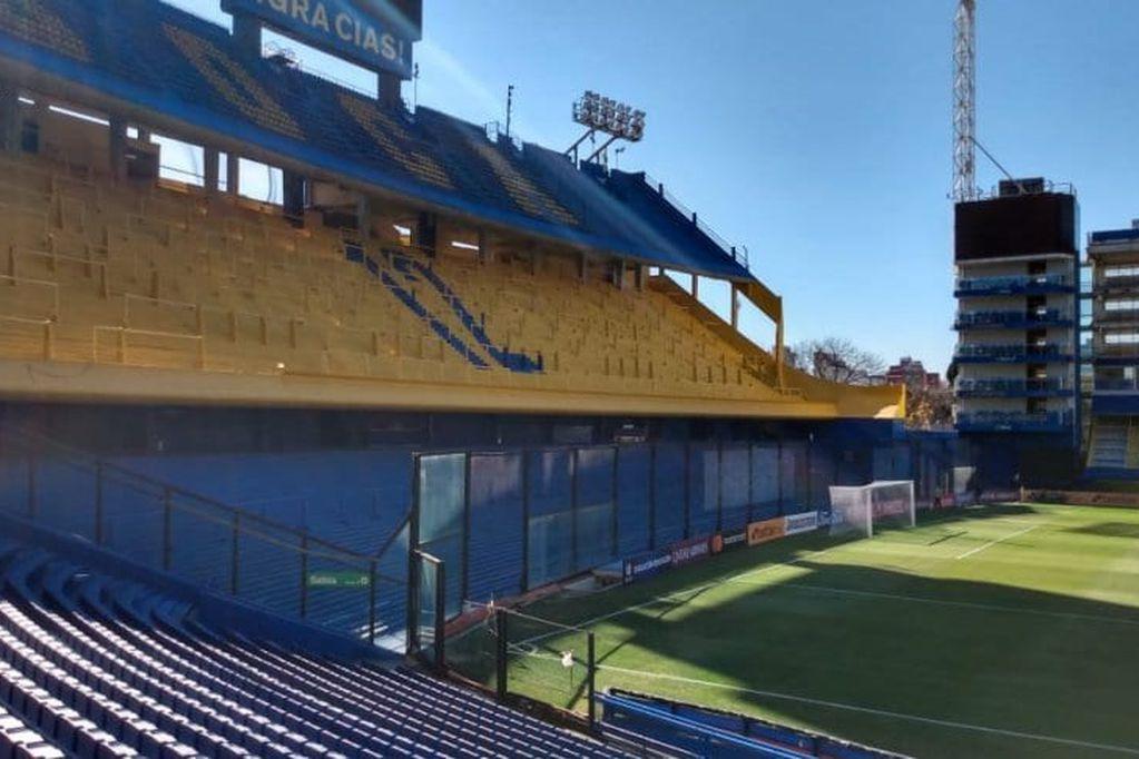 Si vuelve el público al fútbol, Boca suspende las obras y se queda en la Bombonera