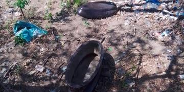 Encontraron un ataúd cuando limpiaban un baldío en Carlos Paz