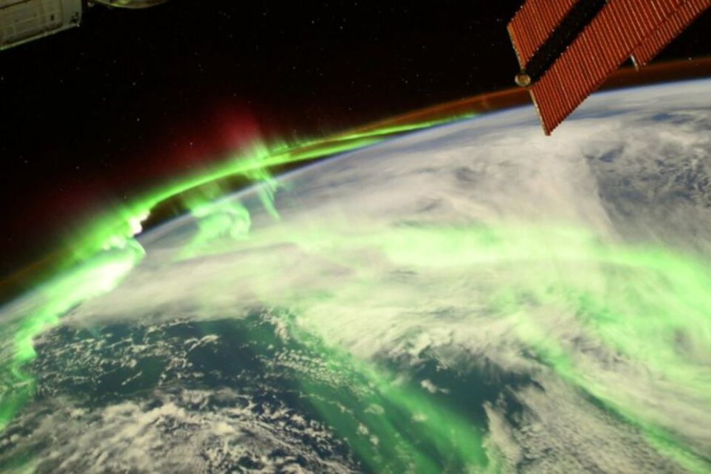 El astronauta mostró imágenes desde el espacio e impactó a los usuarios.