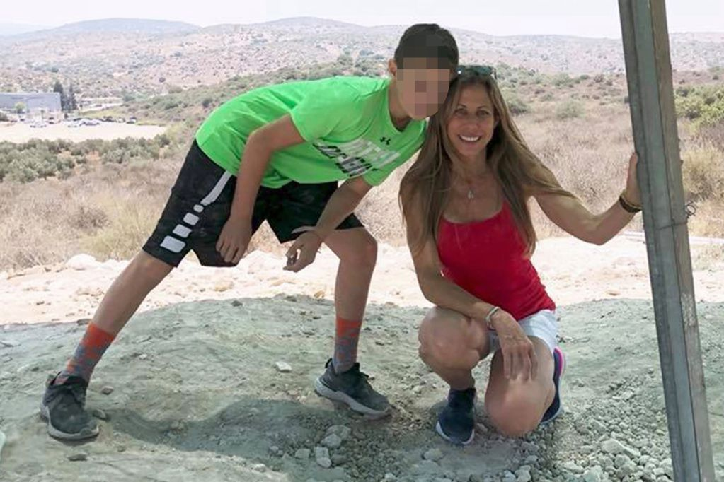Stacy Fang y su hijo, ambos víctimas del  derrumbe del edificio en Miami.