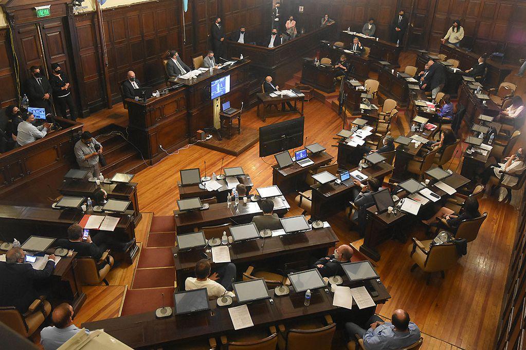 La Cámara Alta retomó su funcionamiento legislativo en febrero. Tres meses después, aún hay senadores sin proyectos propios. Foto: José Gutierrez / Los Andes
