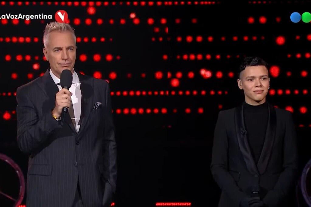 """Santiago Borda avanzó de ronda en """"La Voz Argentina""""."""