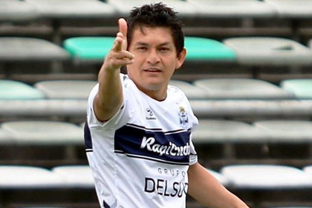 Pulguita Rodríguez volvió con todo: golazo y un caño al árbitro. Un personaje. / Gentileza.