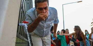 Jorge Capitanich inauguró una canilla de agua potable, rompió en llanto y el video se viralizó