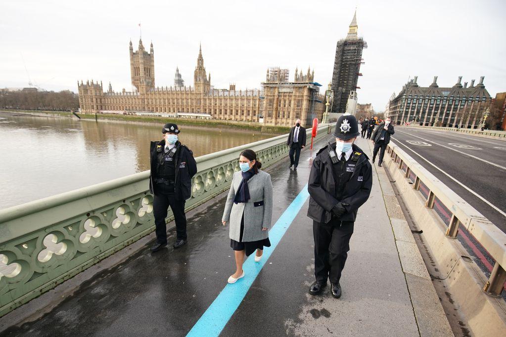 Levantan las restricciones en Inglaterra. / Foto: AP