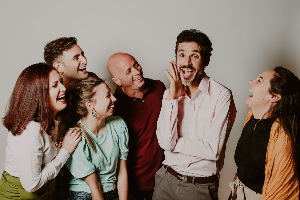 La nueva producción del teatro Selectro es una comedia que va más allá de los conflictos amorosos.