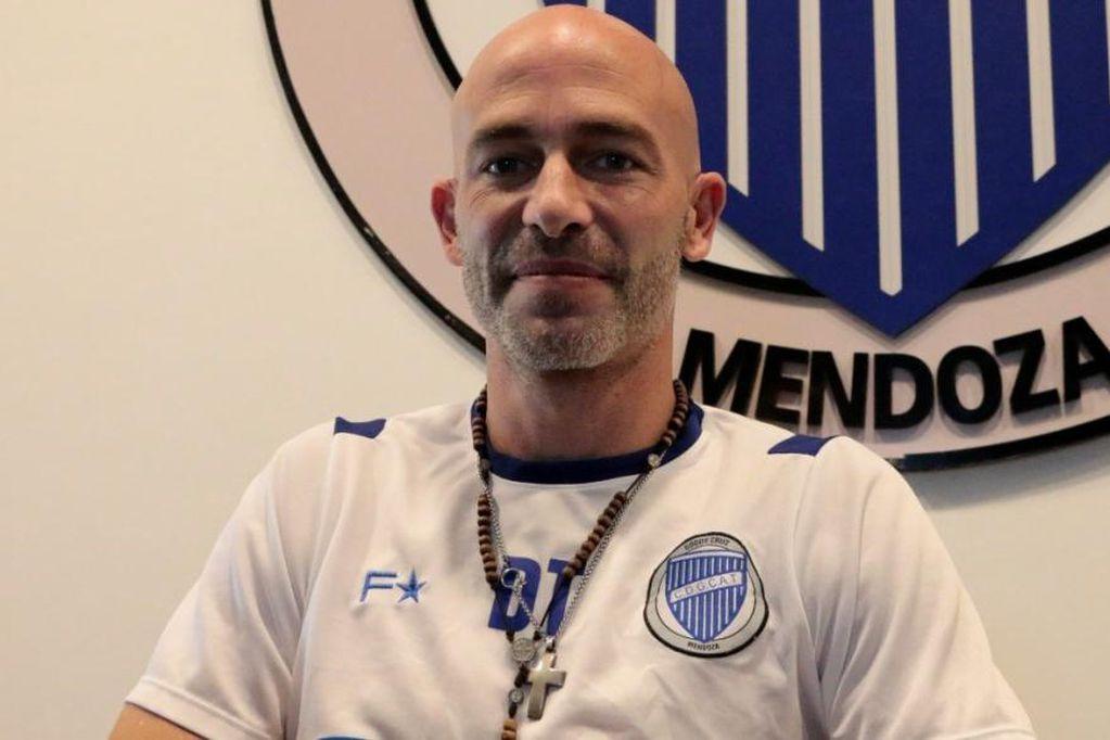 Sebastián Méndez está en su segunda etapa como DT de Godoy Cruz.