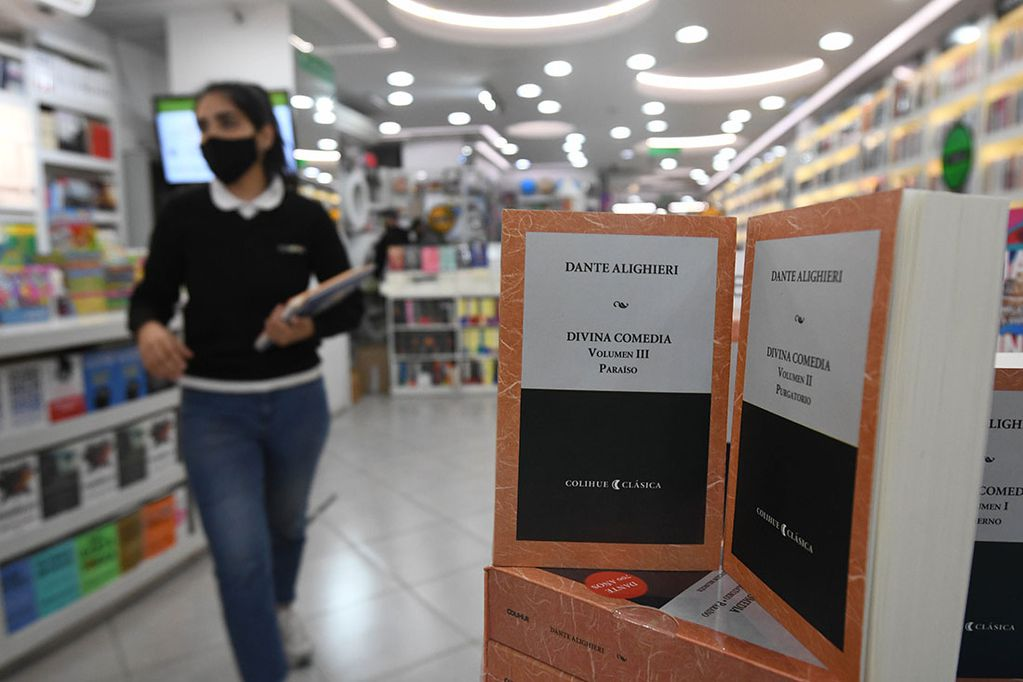 La Divina Comedia, obra cumbre de la literatura italiana y mundial. Foto: José Gutiérrez / Los Andes