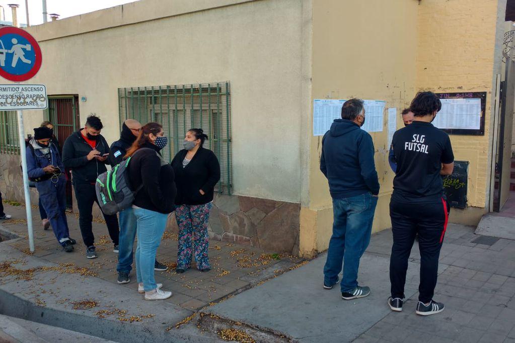Elecciones 2021: en Mendoza votó un 75% del padrón electoral y no se extendió el horario de sufragio