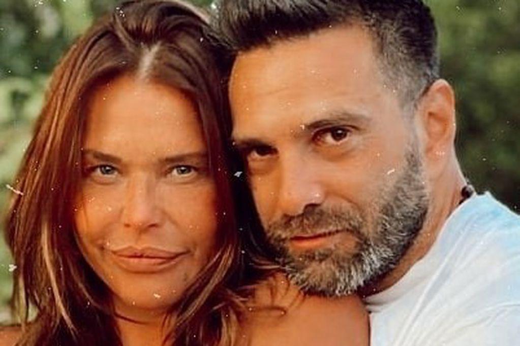 El novio de Nazarena Vélez tuvo un doloroso accidente doméstico y corrieron al hospital